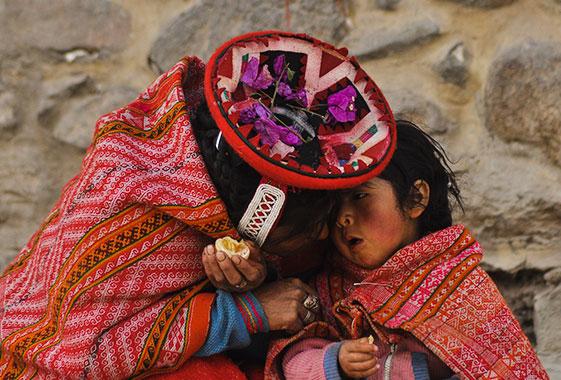 Native-People-Ollantaytambo