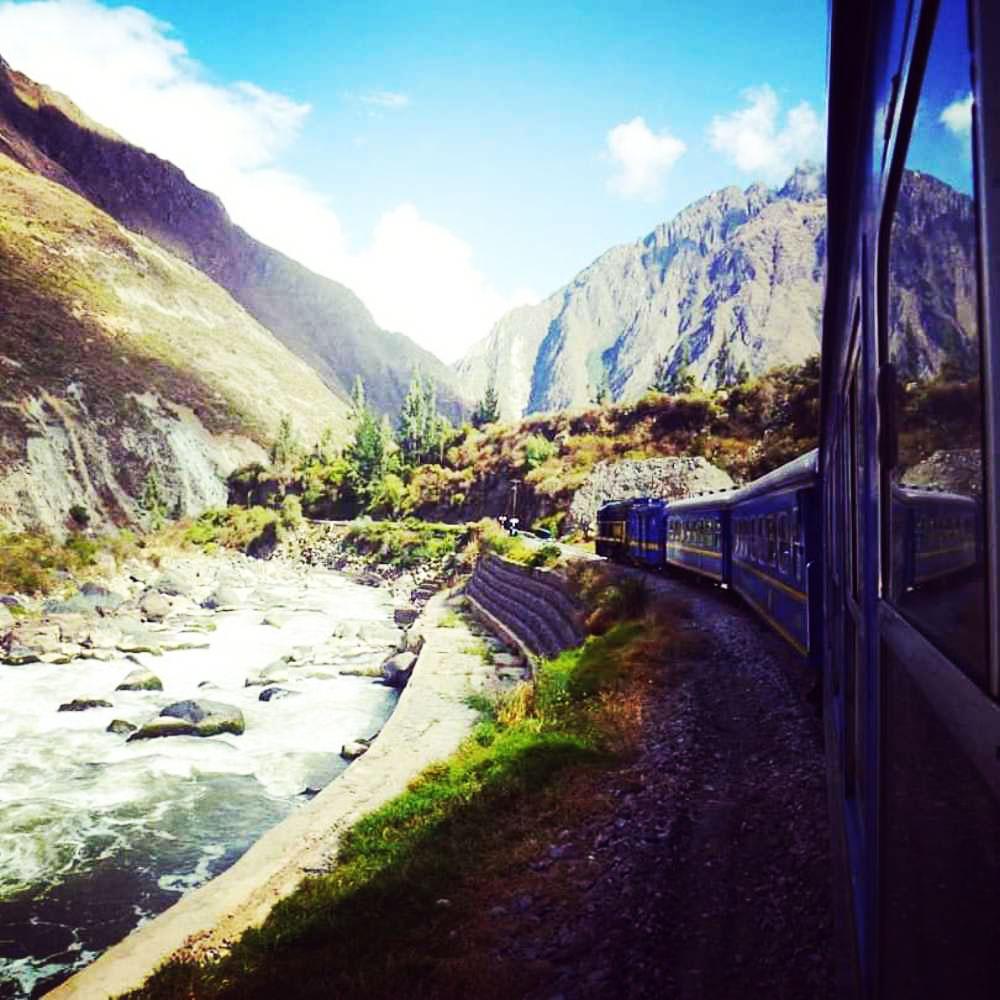 train from ollantaytambo to machu picchu